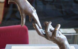 【锡切斯图片】在西切斯的艺术酒店迎新年之二:手的遐想