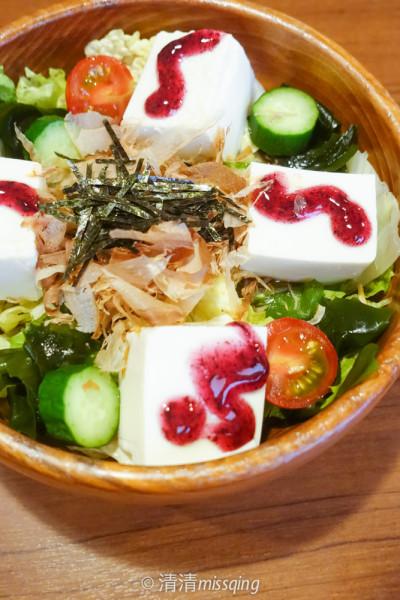 冲绳豆腐以岛豆腐和花生豆腐最为有名.比一般豆腐的蛋白质高出一倍.