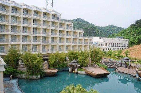 武宁 游记   大概由于庐山西海景区整体的休闲特色,酒店还专门为带