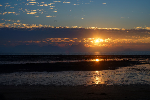 泰国普吉歌谣岛4日亲子蜜月游(于绿松石海域聆听自然之音 赠无限次