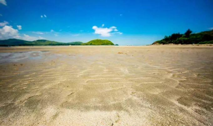 天空之境般的黑排角  盐洲岛有四个海滩  分别