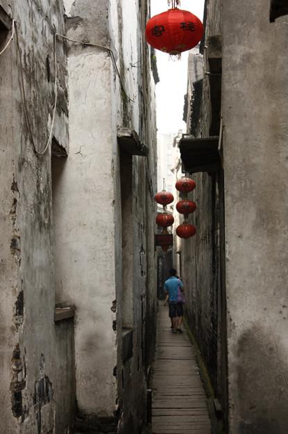 壁纸 风景 古镇 建筑 街道 旅游 摄影 小巷 415_624 竖版 竖屏 手机