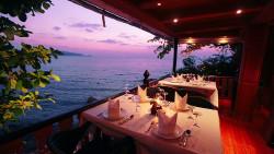 普吉岛美食-悬崖餐厅(芭东)(Baan Rim Pa Patong)
