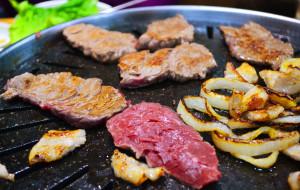 济州岛美食-黑猪肉一条街
