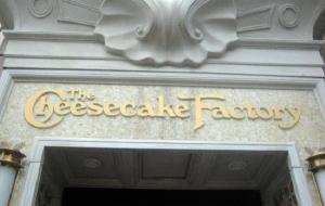 波士顿美食-The Cheesecake Factory Huntington Ave