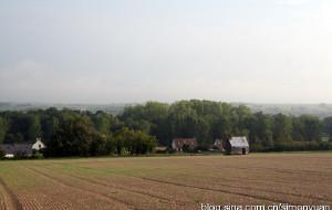 【图尔图片】古堡前草地上打了个小盹(鲜花开满欧罗巴之法国瑞士深度行18)(1)
