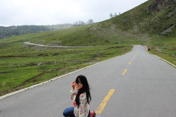 我的本色   伸手碰到天   仰望天空的孩子   公路照,回眸一笑
