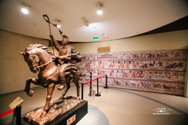 这个铜雕塑是张骞出使西域
