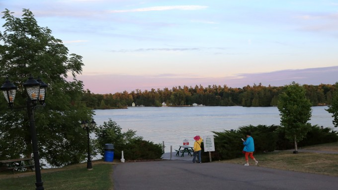 美加行之十------欣赏千岛湖晚景,参观首都渥太华《总督府》