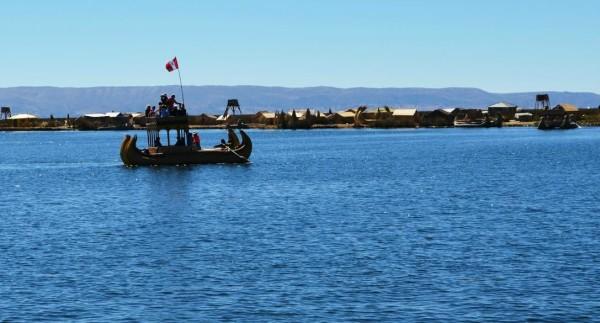 风光如画,有太阳能可以发电,titicaca湖提供了食水
