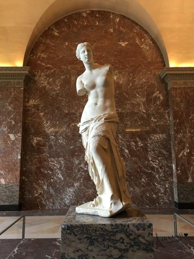 卢浮宫的三件宝,断臂的维纳斯,胜利女神,蒙娜丽莎还有有玻璃金字塔