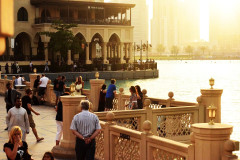 '迪拜_沙漠中的奇迹还是黄沙中的海市蜃楼