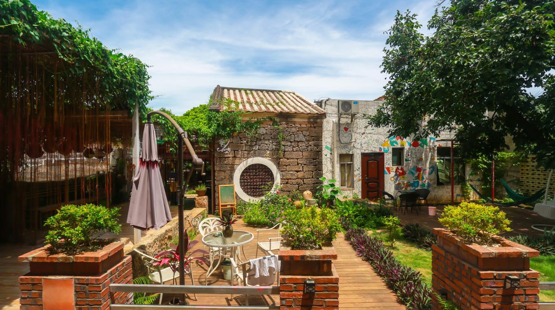 别墅花园风景图片
